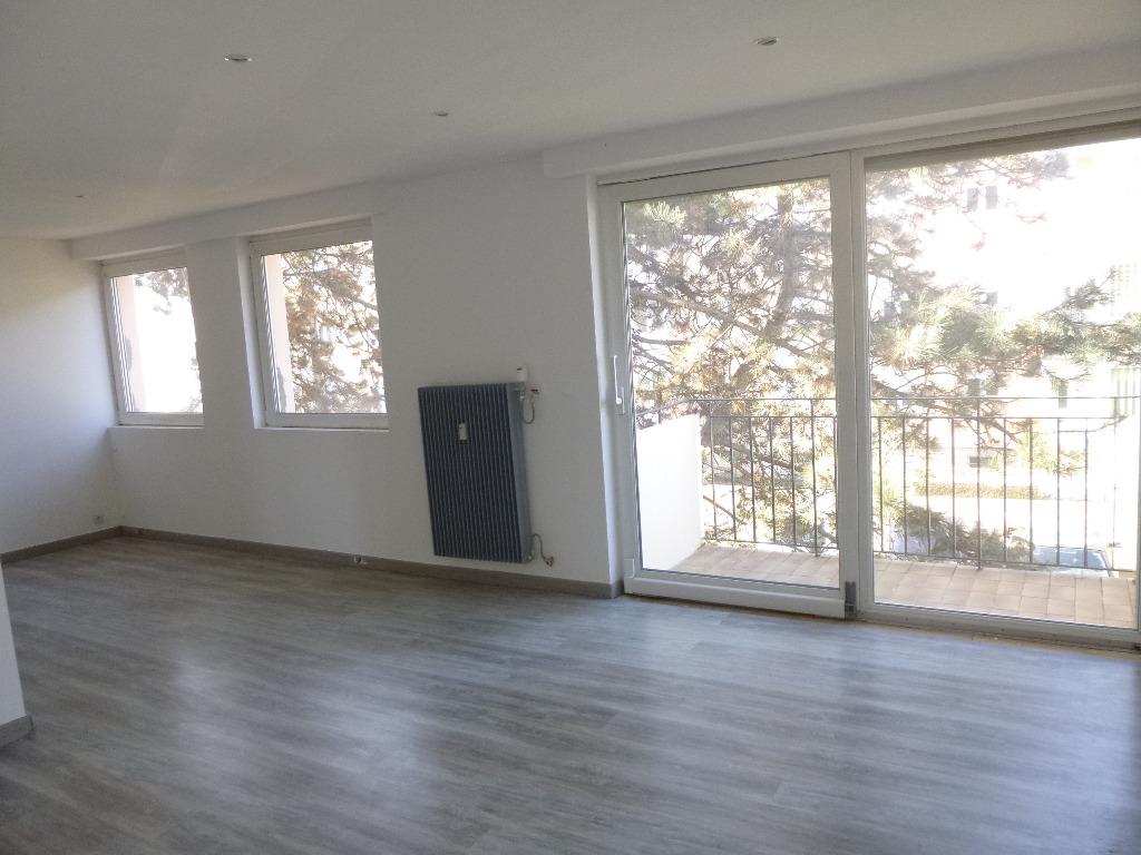 location louer appartement de 3 pi ces cernay 68700 dans le haut rhin 68 en alsace. Black Bedroom Furniture Sets. Home Design Ideas